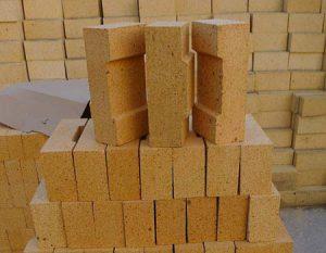 Fireclay refractory bricks